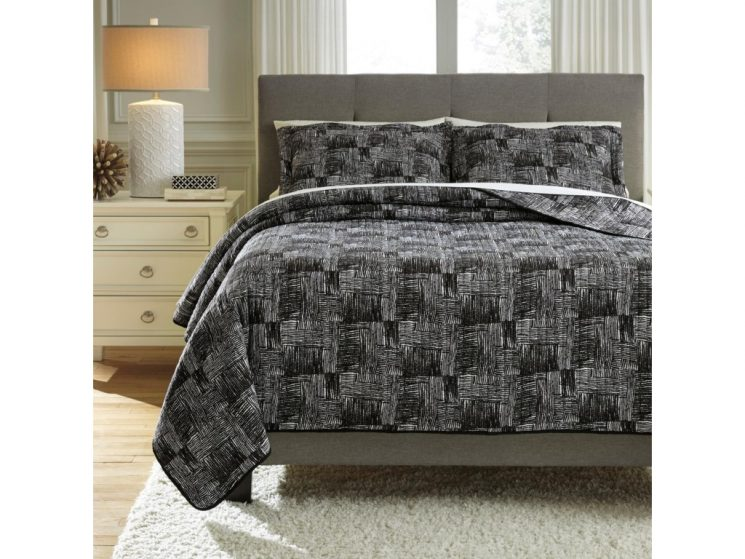 100 Cotton Quilted Bedspreads   Quilt Sets   Gray And White Quilt Bedding